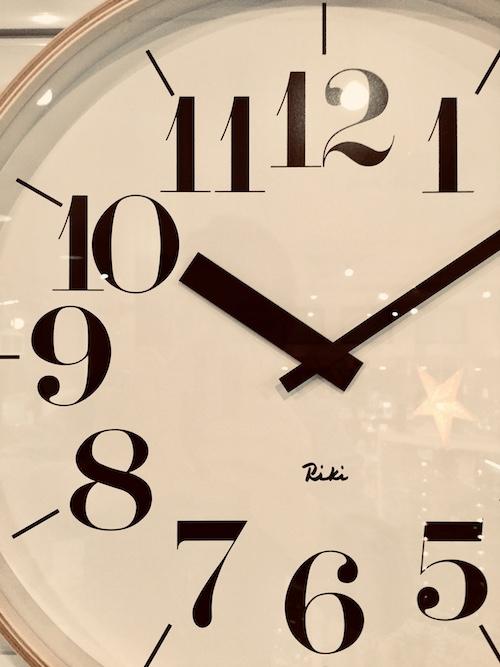 渡辺力 リキクロック イームズ デザイン オシャレ 時計 ドクター 新築祝い プレゼント おすすめ 雑貨 秋田 イチノセキ 時計店 見やすい 老人 子供
