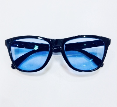 akita sunglass tom ford rayban oakley frogskins 999.9 blue